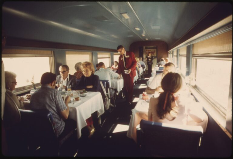 Amtrak dining cars